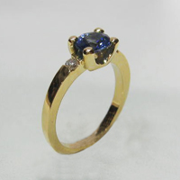 Bague saphir 0ct97 diamants 2x 0ct05 poids or 4g60
